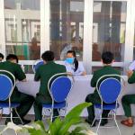 Trung tâm Y tế thị xã Ninh Hòa tổ chức tiêm vắc xin cho lực lượng Công an, chiến sĩ biên phòng đóng trên địa bàn thị xã